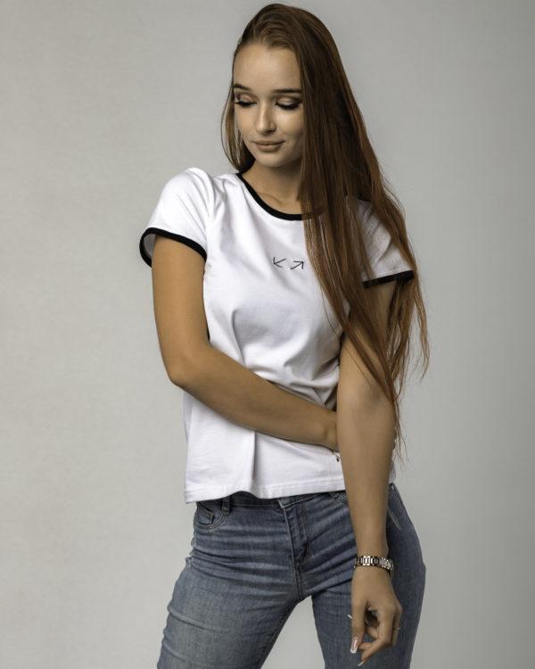 Biała damska koszulka standardowa ze wzrokiem w dół