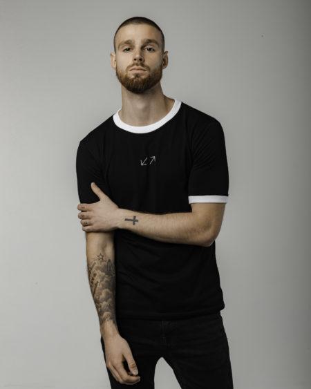 Czarna koszulka męska z logiem przodem